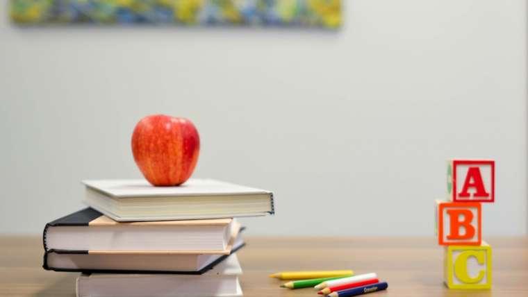 Uważność w klasie – czas strojenia i słuchania…
